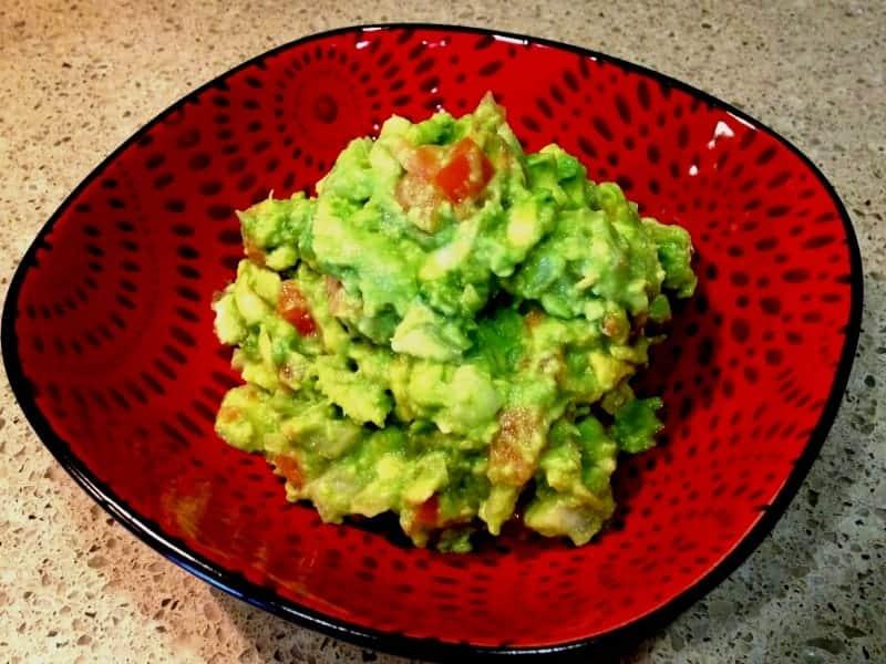 Guacamole Recipe - Authentic Mexican Recipe (Vegan + Glutenfree)