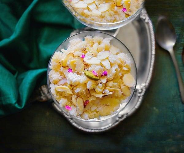 Suji ka Halwa - Sooji ka Halwa (Indian Semolina Pudding)