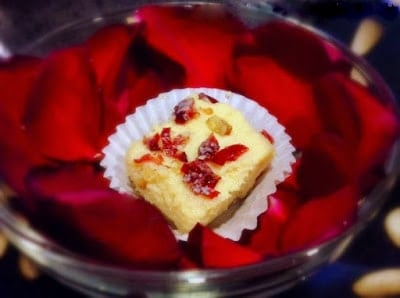 gulabi kalakand recipe using ricotta cheese, condensed milk and nuts