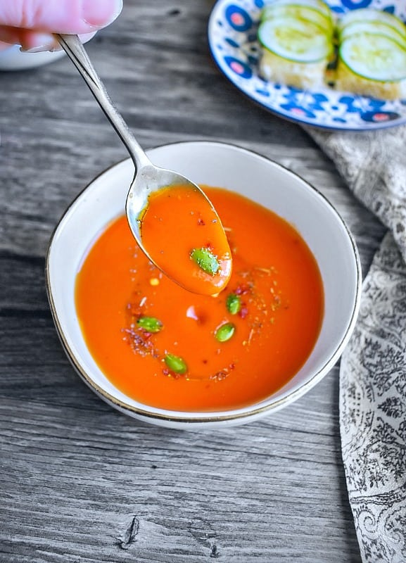 Quick Roasted Red Pepper Tomato Soup