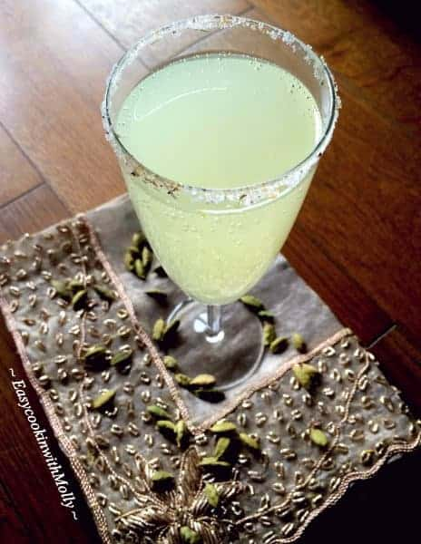 Cardamom-Lemonade-Spritzer