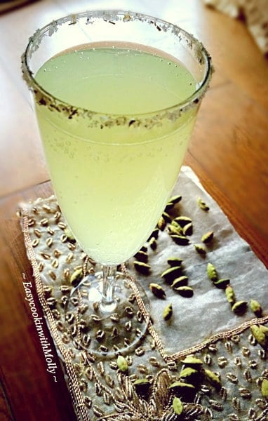 Rosemary-Lemonade-Spritzer