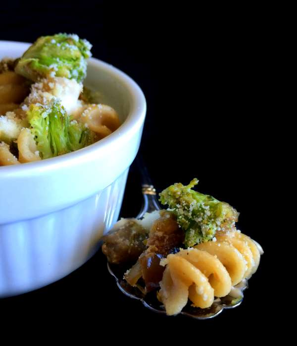 Broccoli-eggplant-Pasta-in-White-Wine-Sauce