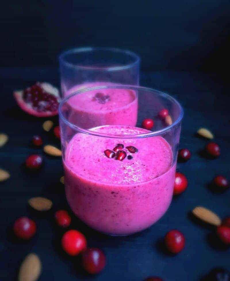Super-Healthy-Pomegranate-Cranberry-Almonds-Smoothie