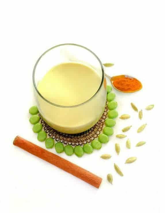 turmeric-milk-easycookingwithmolly