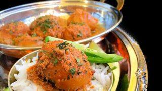 Kashmiri Dum Aloo (Potatoes in Yogurt Gravy)