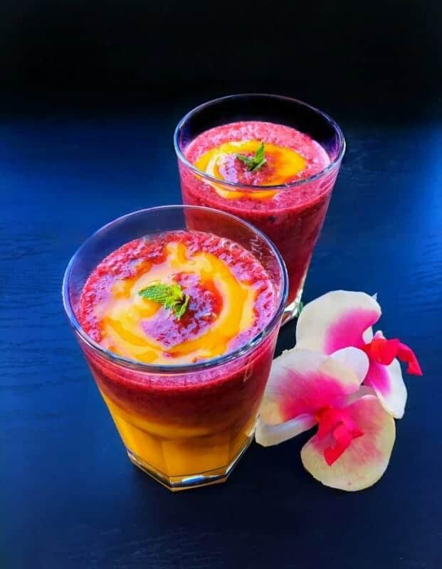 Mango Berry Swirl Smoothie