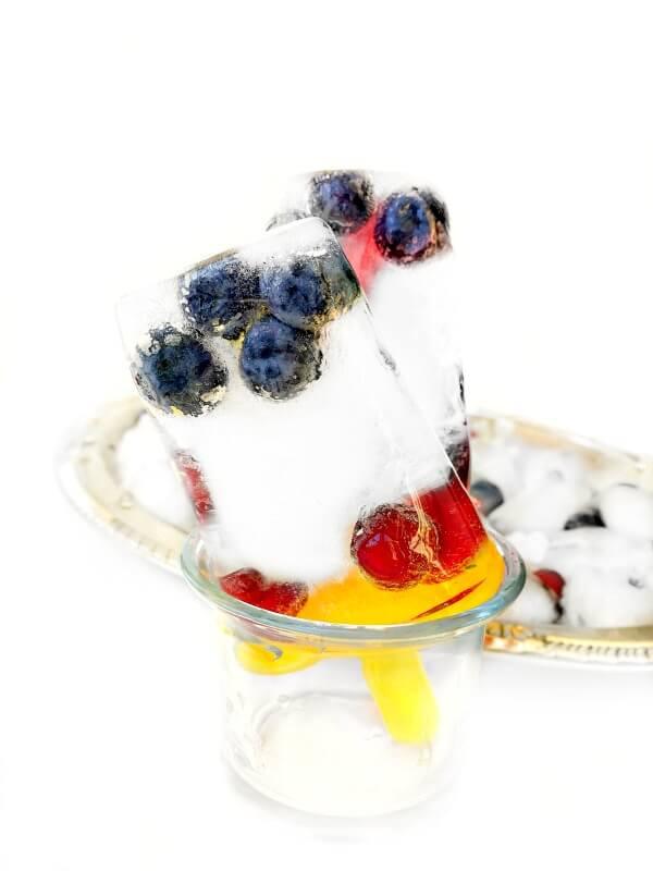 fruity-lemonade-ice-popsicles