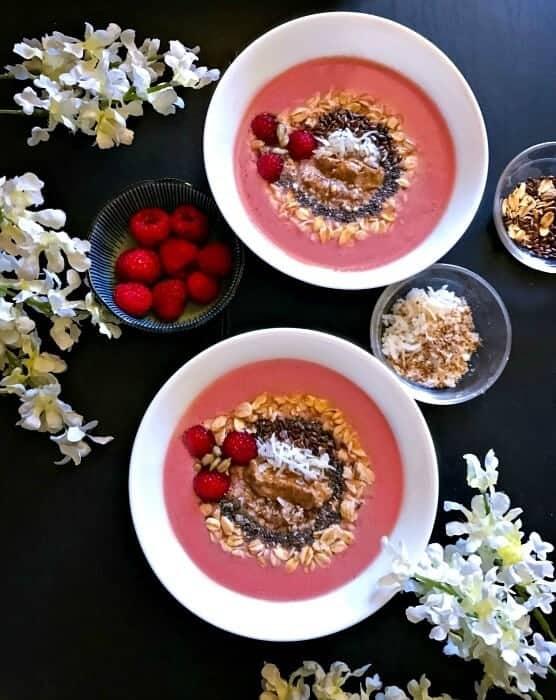 raspberry-chocolate-smoothie-bowl-photo-1