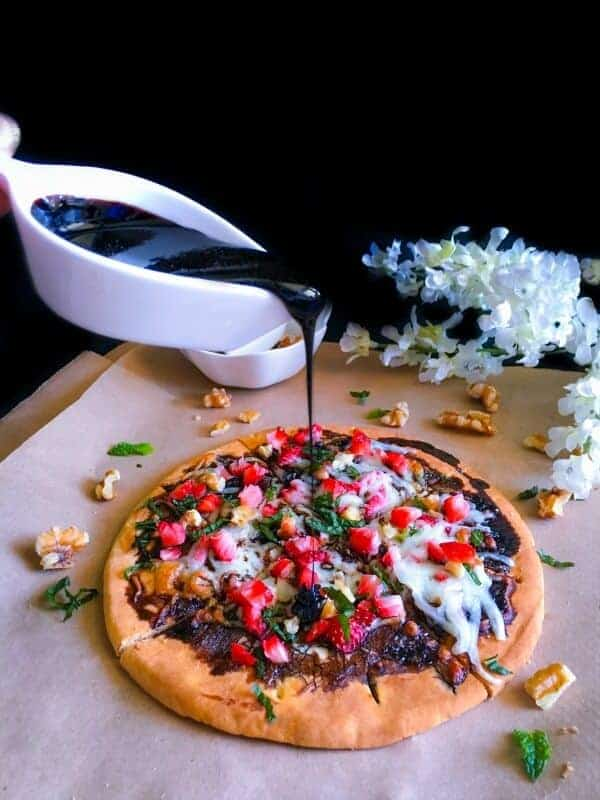 walnut-strawberry-pizza-with-balsamic-reduction4