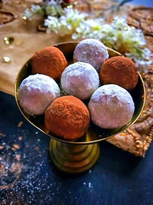 15-mins-leftover-gingerbread-cookie-truffles