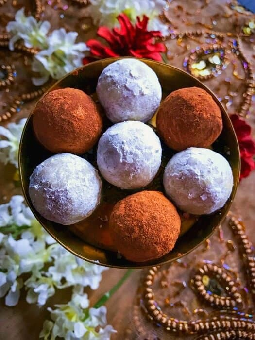 easy-gingerbread-cookie-truffles-recipe1