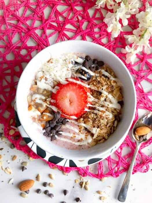 strawberry-almond-coconut-smoothie-bowl