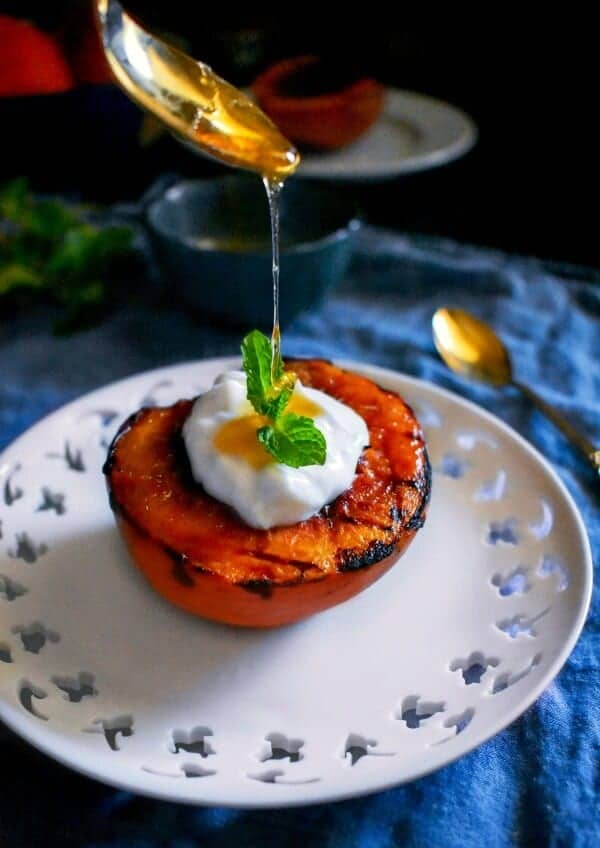 grilled-peach-with-yogurt