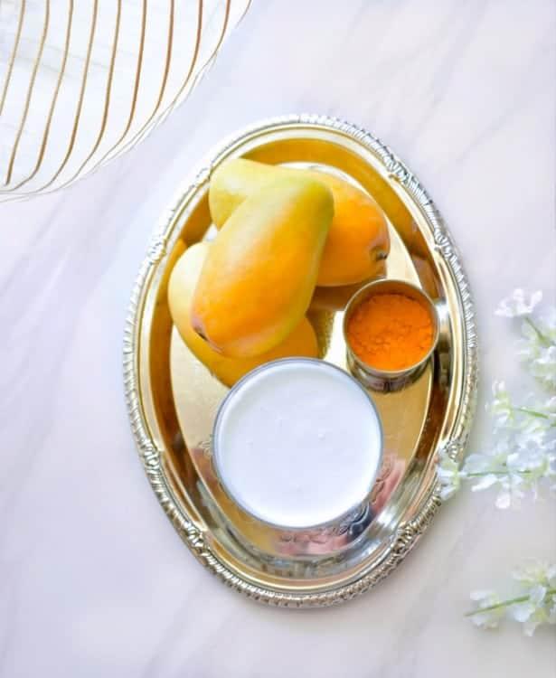 coconut-mango-smoothie-ingredients-pic