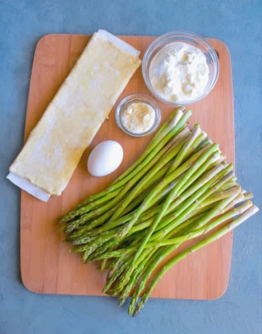 How to Make Asparagus and Ricotta Tarts