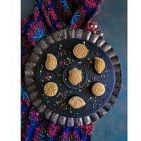 Bengali Sandesh Recipe (Indian Milk Fudge)