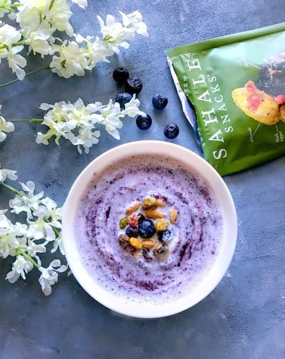 Blueberry-Swirl-Smoothie-Bowl