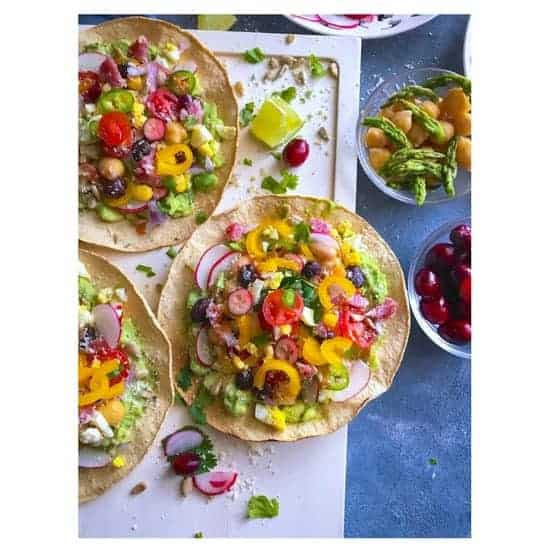 healthy-glutenfree-avocado-breakfast-tostada