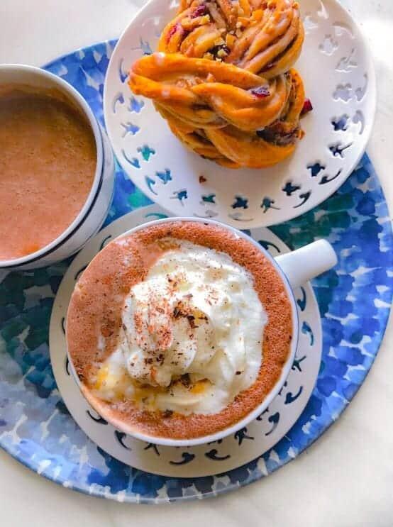 hot-chocolate-with-cinnamon-roll