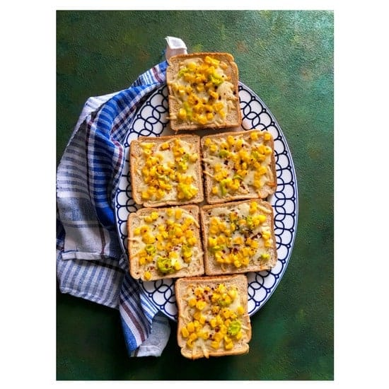 Spicy Cheese Corn Toast