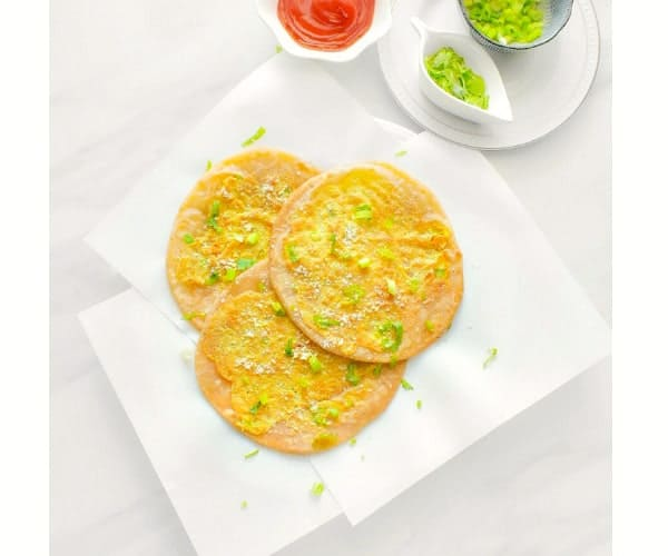 Anda Paratha - Egg Paratha (Indian Eggs Layered Flatbread)