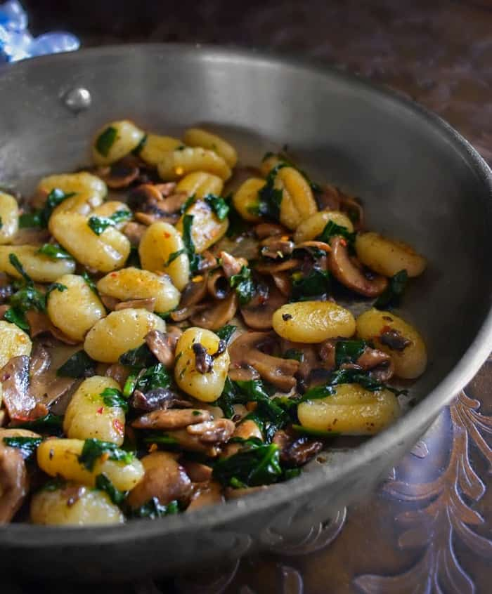 mushroom-sauteed-with-spinach
