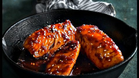 Sweet Spicy Teriyaki Salmon With Veggie Spirals Low Calorie