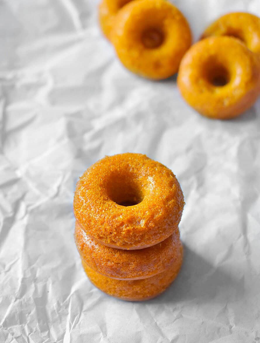 baked-mango-donuts