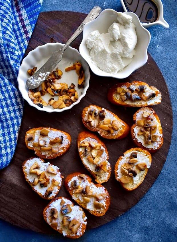 easy-mushroom-crostini-recipe