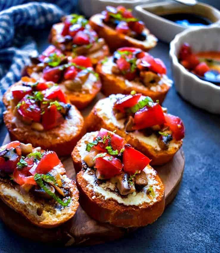 easy-mushroom-crostini
