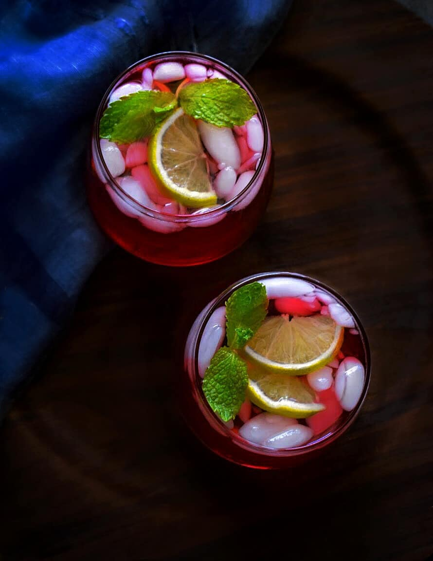 hibiscus gin fizz cocktail