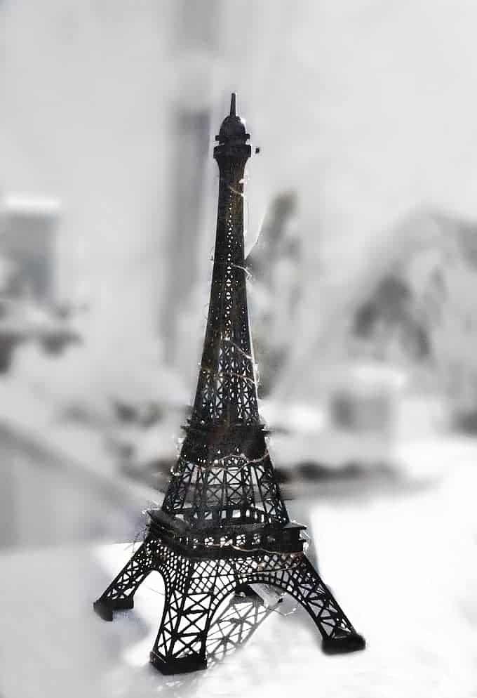 miniature-eiffel-tower-showpiece