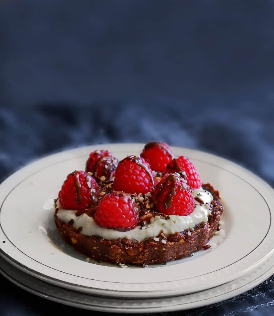 No-Bake Raspberry Yogurt Granola Tart - Back to School