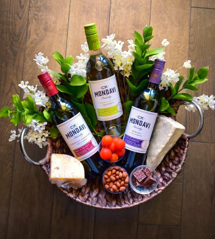 wine-basket-setting
