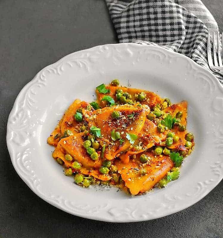 spicy-ravioli-wine-sauce