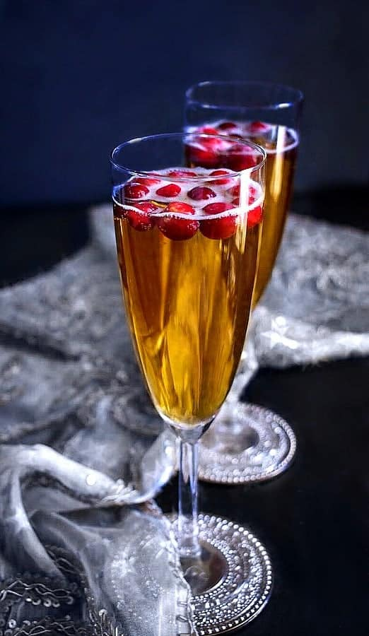 cranberry-pineapple-cocktail