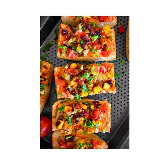 indian-paneer-pizza