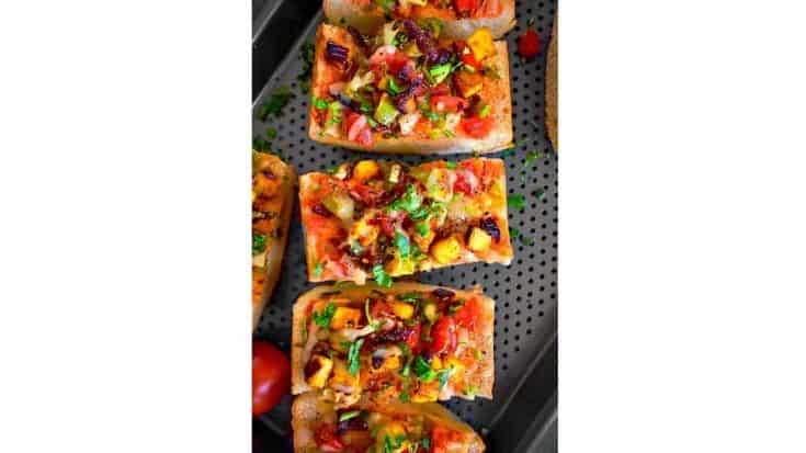 quick-achari-paneer-pizza-recipe