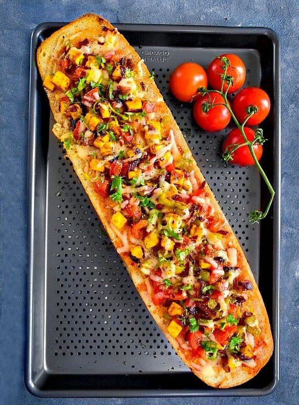 quick-achari-paneer-pizza