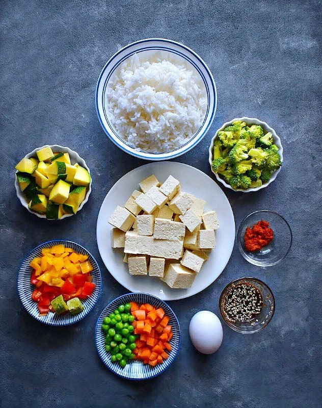 thai tofu fried rice ingredients like tofu, veggies, rice and spices