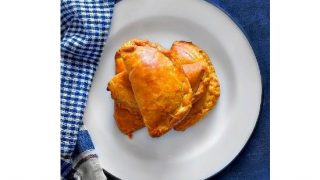 Indian Lamb Curry Puffs (Spicy Lamb Hand Pies) #holisnacks