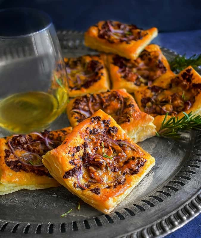 easy Fig Puff Pastry Tarts recipe