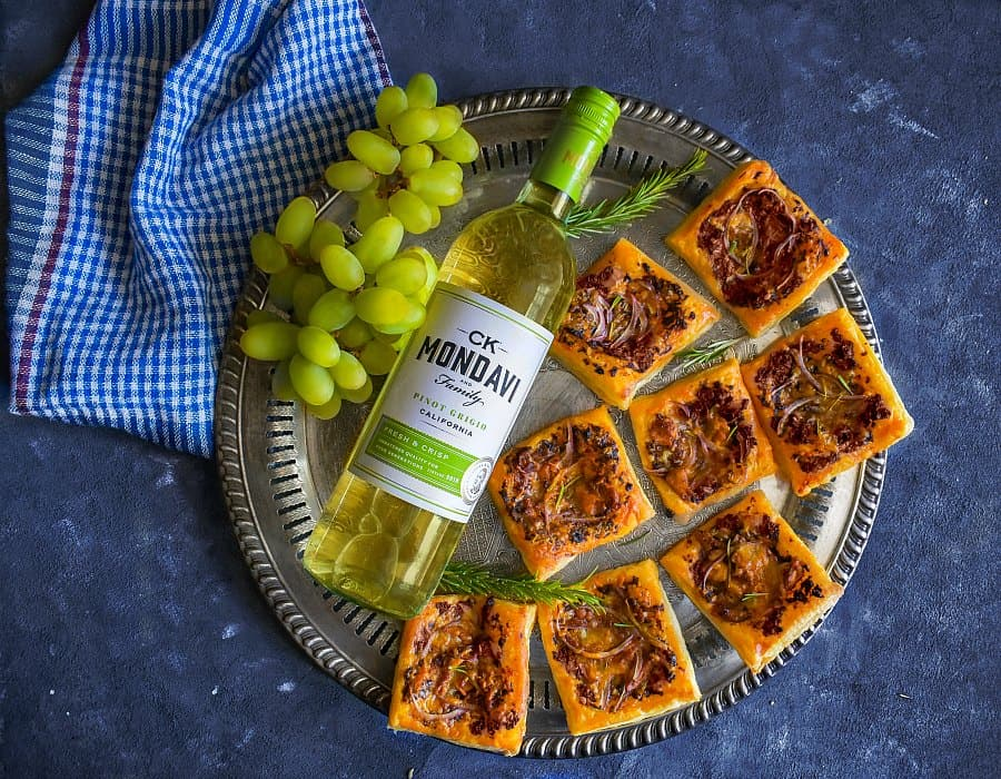 figs tart with ck-mondavi-pinot-grigio