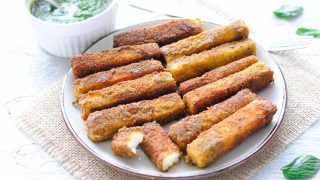 Droolworthy paneer fingers with a green cilantro-mint chutney