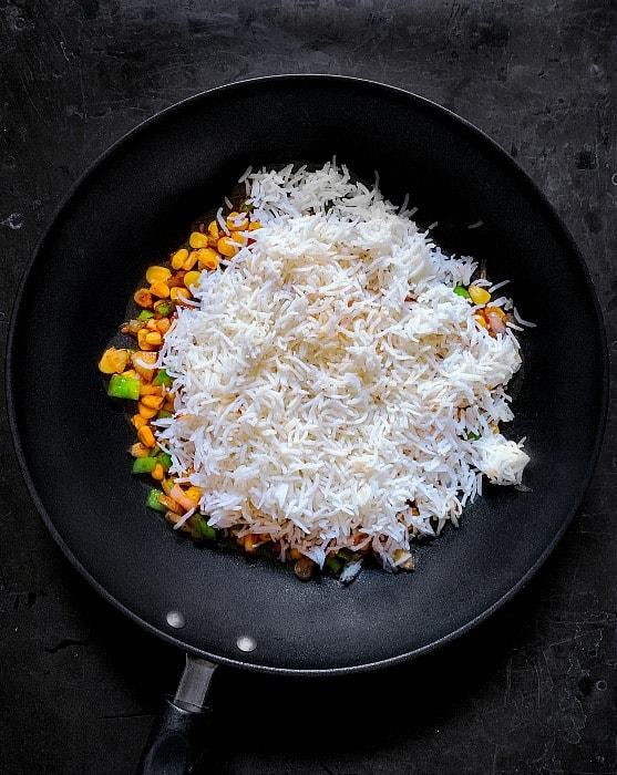sweet corn fried rice recipe step 4