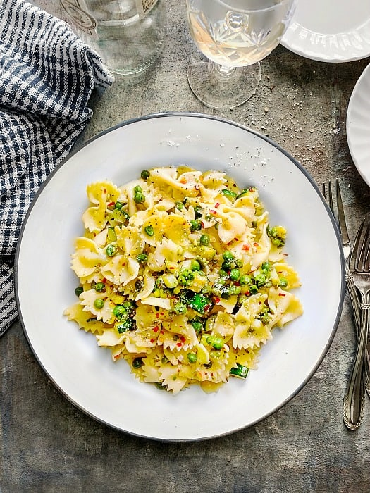 Pesto Pasta with Zucchini and Peas