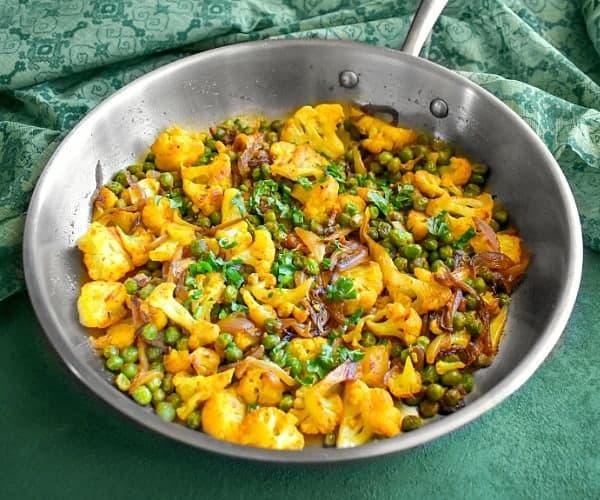 Gobi Matar Recipe - Indian Stir Fry Cauliflower Peas