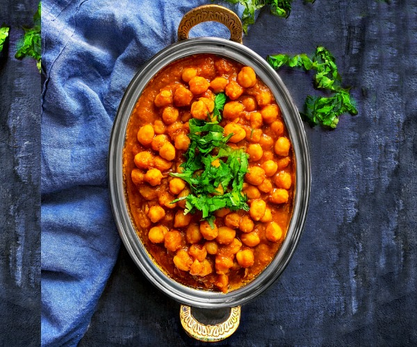Chole Masala Recipe - Indian chickpea curry
