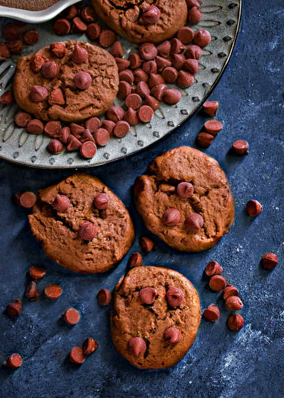 chocolate-chip-whey-peanut-butter-protein-cookie